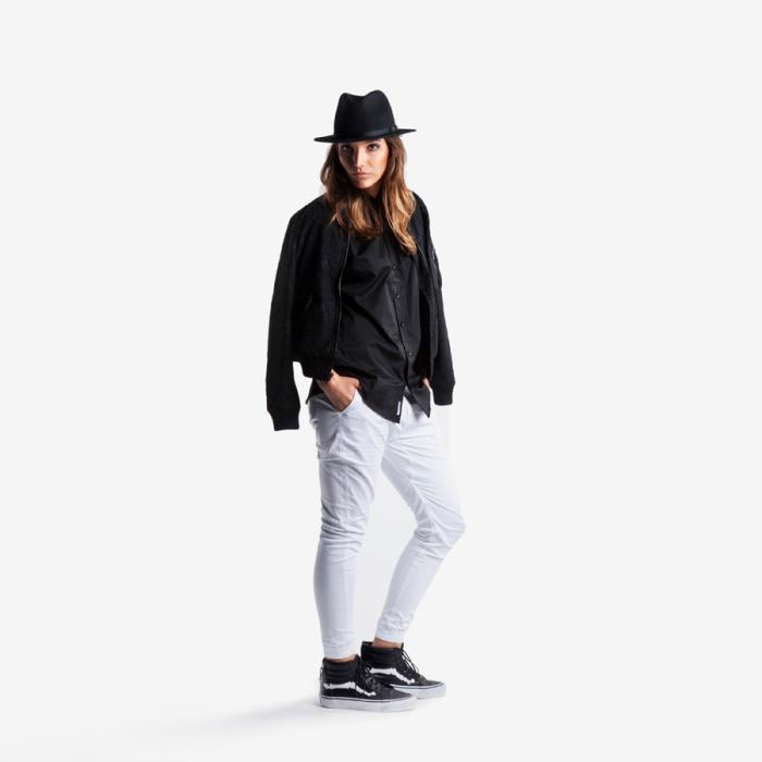 thesnobette-publish-womens-jogger-5
