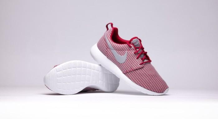 afew-store-sneaker-nike-wmns-rosherun-dark-fireberry-wolfgrey-white-15