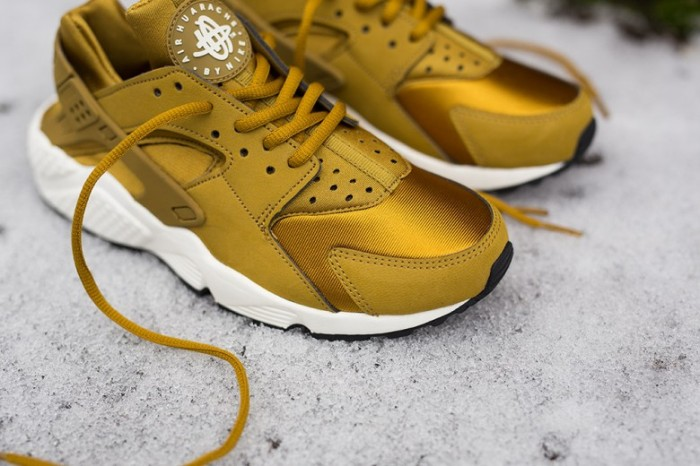 wmns-nike-air-huarache-run-bronzine-4-780x520