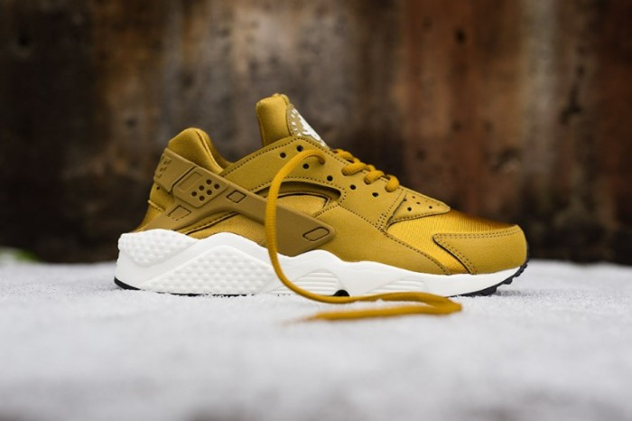 wmns-nike-air-huarache-run-bronzine-780x520
