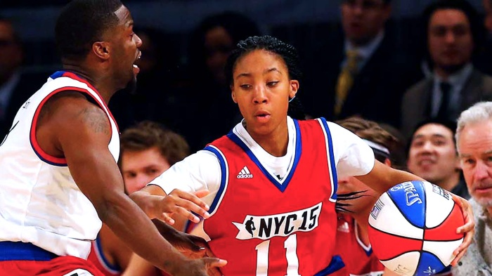 NEW YORK, NY - FEBRUARY 13:  (NEW YORK DAILIES OUT)   Little League baseball star Mo'Ne Davis in action against comedian Kevin Hart during the Sprint NBA All-Star Celebrity Game at Madison Square Garden on February 13, 2015 in New York City.  NOTE TO USER: User expressly acknowledges and agrees that, by downloading and/or using this Photograph, user is consenting to the terms and conditions of the Getty Images License Agreement.  (Photo by Jim McIsaac/Getty Images)